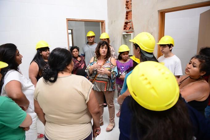 Jóvenes sanfernandinos del Programa SUMATE visitaron la obra del nuevo edificio municipal