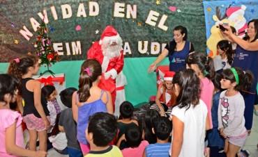 Centros Educativos, el Taller Protegido y las UDI de San Fernando recibieron a Papá Noel