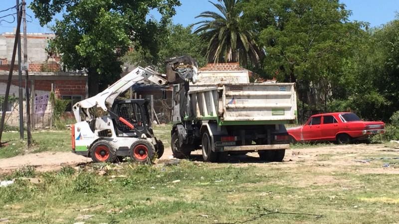 San Fernando hizo tareas de limpieza e higiene urbana en el barrio Pte. Perón