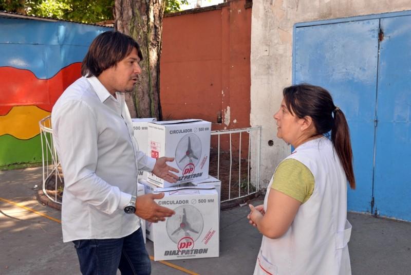 San Fernando llevó el 'Programa de Ayuda a Escuelas Provincial' a las Escuelas N° 1, 6, 8 y 21