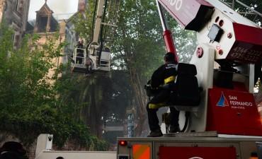 Los Bomberos de San Fernando contuvieron el fuego en el Palacio Otamendi