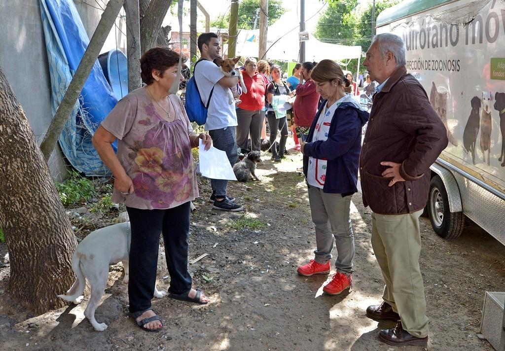 San Fernando realizó tareas de limpieza y un operativo del 'Municipio en tu Barrio' en el barrio Alvear