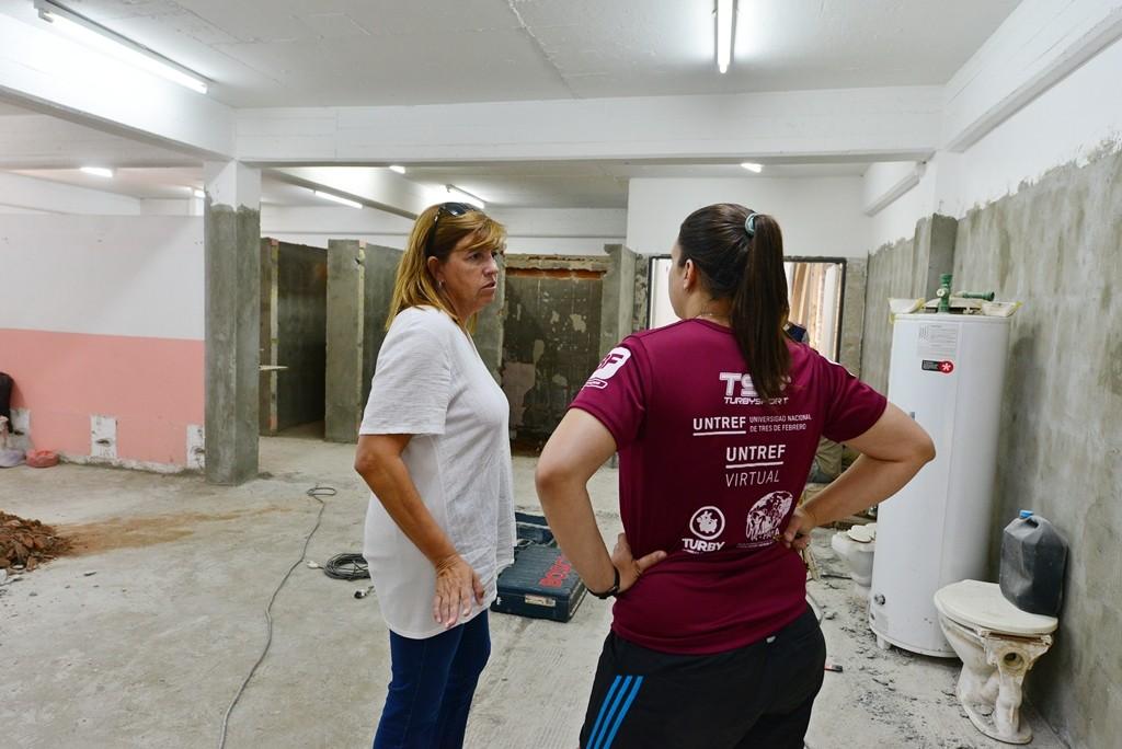 San Fernando refacciona los vestuarios del Poli N° 1