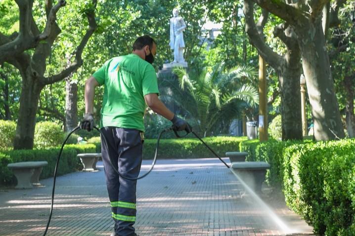 San Fernando sigue manteniendo y embelleciendo todas las plazas de la ciudad