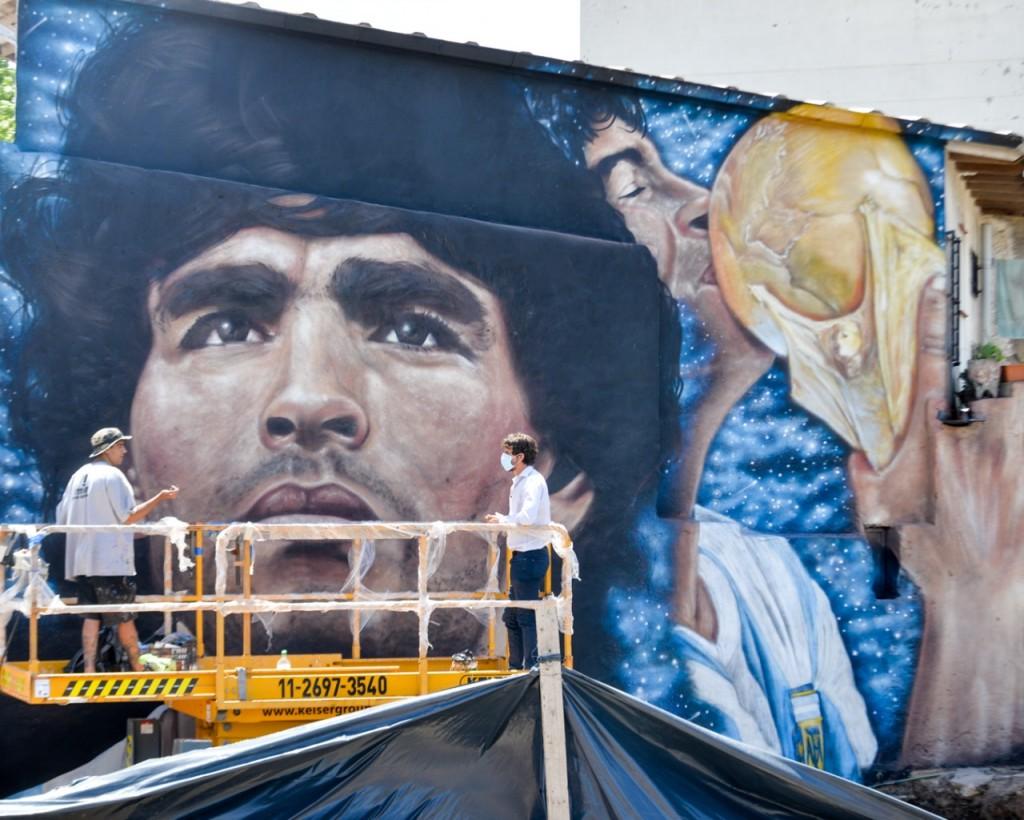 Andreotti supervisó los últimos detalles del Túnel ´Diego A. Maradona´ y los murales que lo homenajean
