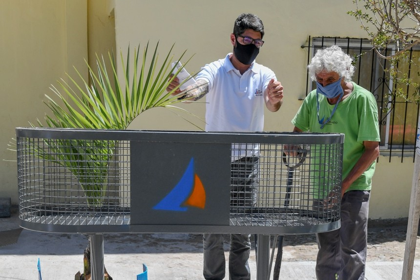 El Municipio colocó cestos de basura en Virreyes Oeste para mantener la limpieza de espacios públicos
